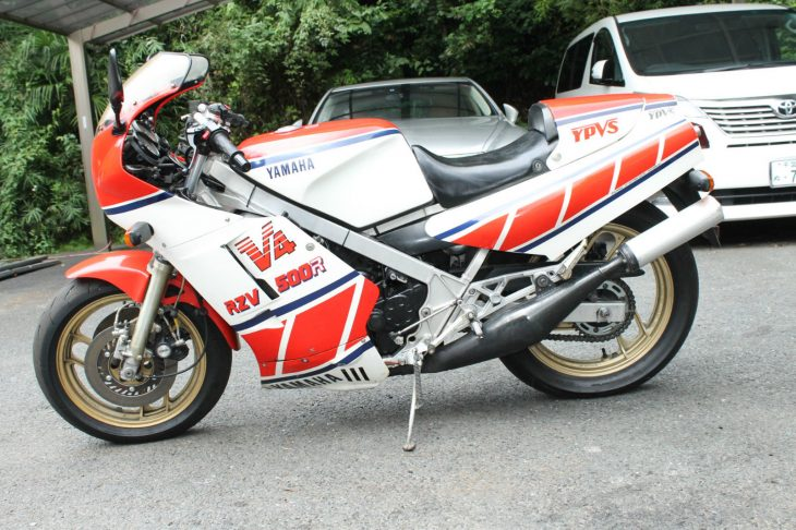 1985-yamaha-rzv500r-l-side