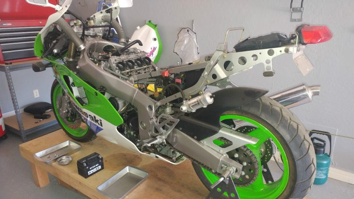 20161026-1992-kawasaki-zx7r-k-left-rear-unfaired