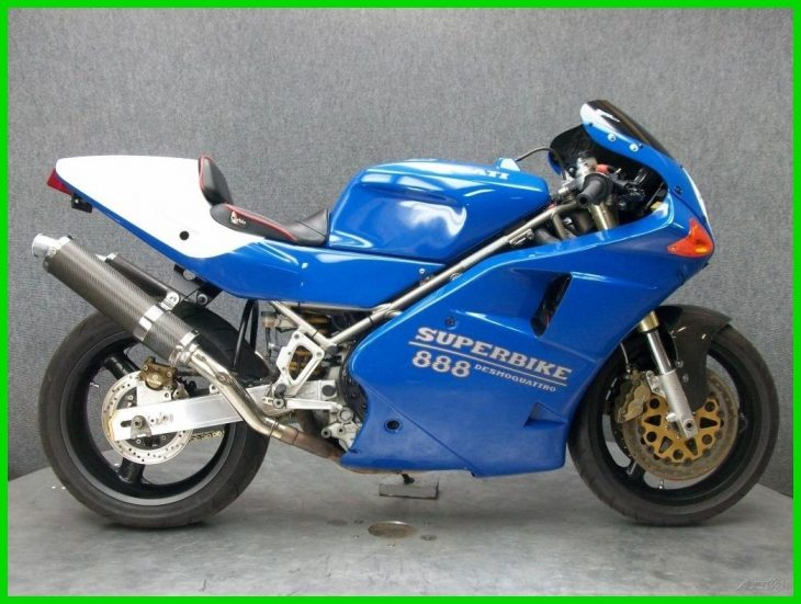 Holiday Blues: 1993 Ducati 888