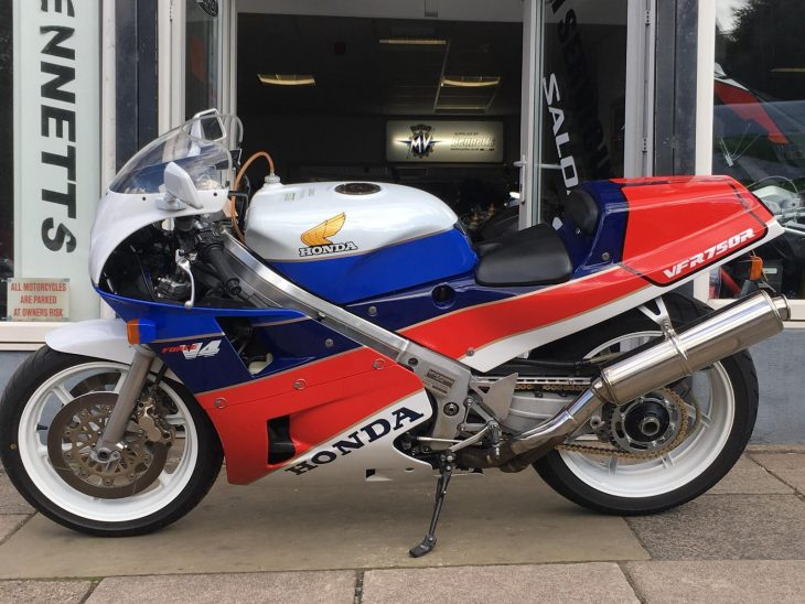 Boxing Day Dream:  1989 Honda RC30 with 1,550 miles in the UK