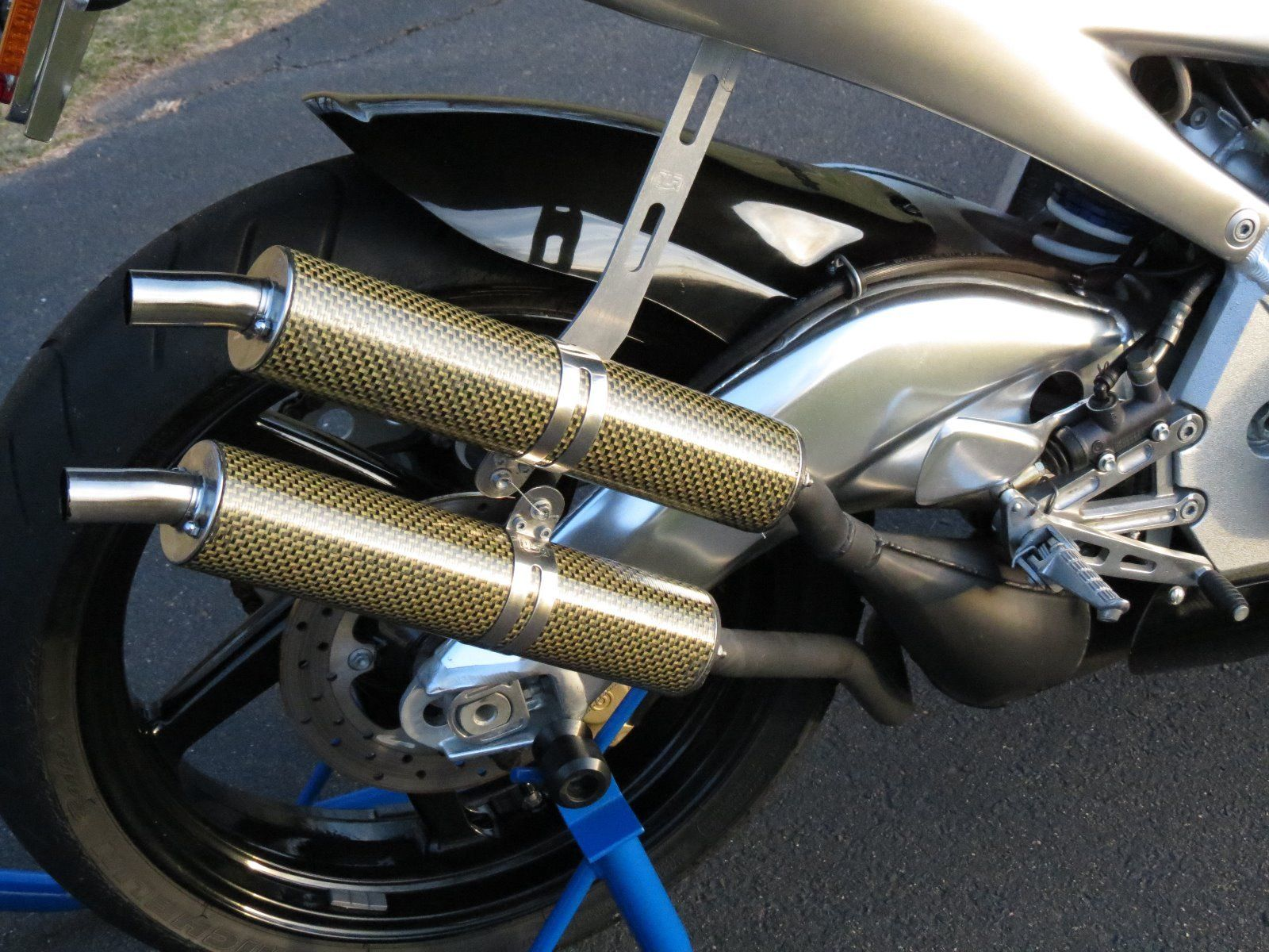 Question for the Aprilia experts: The silencers on this one look  suspiciously like Arrow units. Did these bikes come stock with something  other than the ...