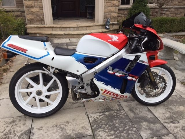 Featured Listing: 1991 Honda VFR400R in Canada!