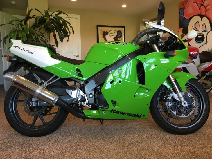 Tiny and Green: 1994 Kawasaki ZXR250 for Sale