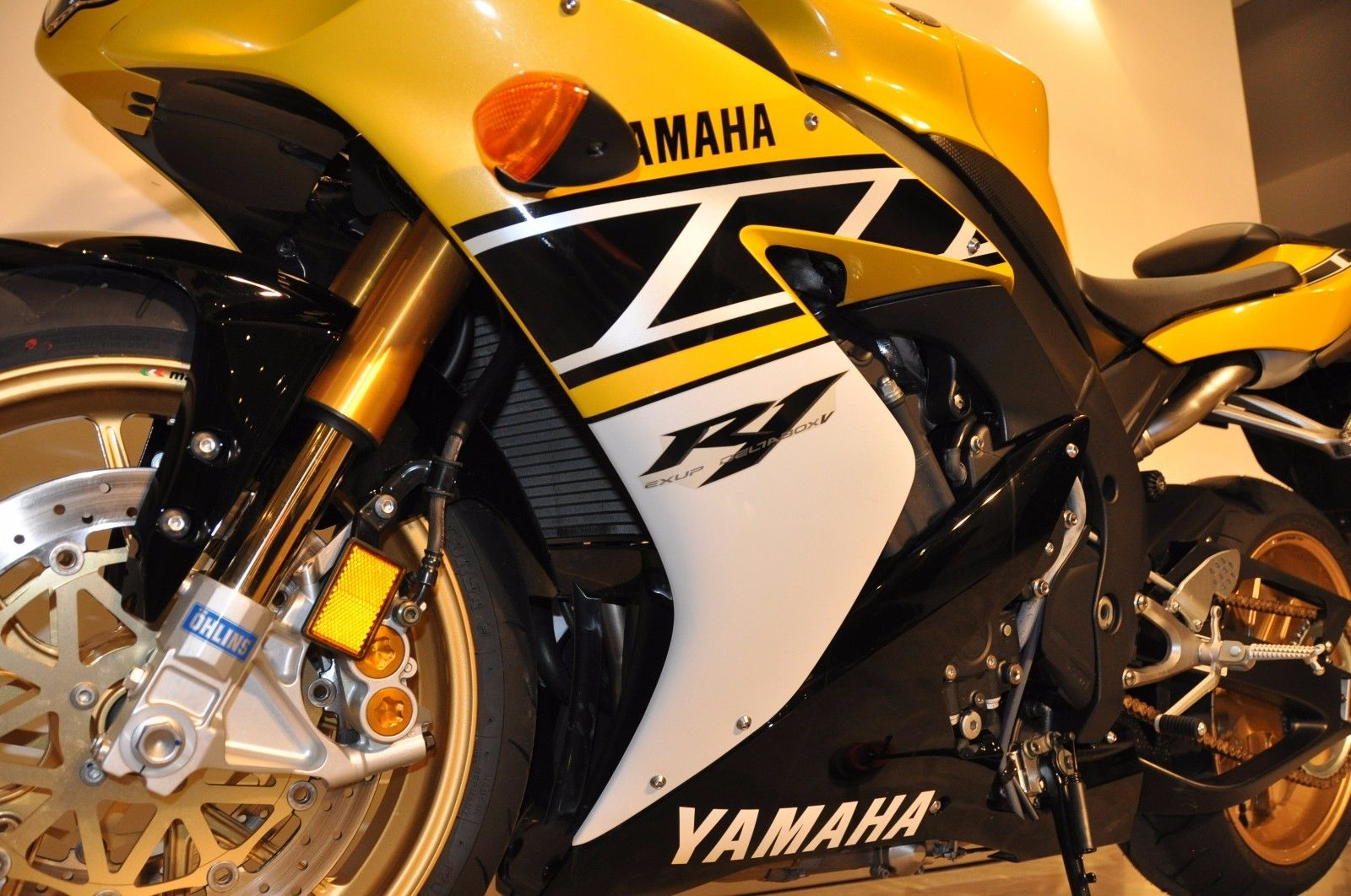 ... be thankful Yamaha created. Check it out here, and then jump over the  Comments and share your thoughts: Worth more for the miles or the LE  graphics?
