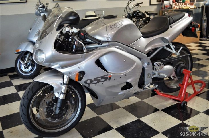 Low Mileage Future Classic: 2001 Triumph Daytona 955i for Sale