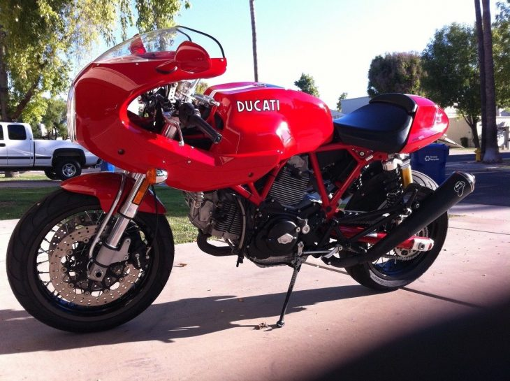 Red Contrasts – 2007 Ducati Sport 1000S