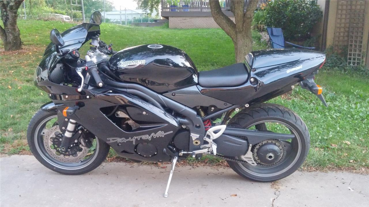 Better Late 2006 Triumph Daytona 955i With 2510 Miles Rare