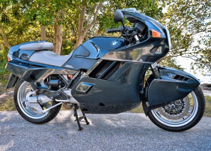 Stealth Tron Bike – 1991 BMW K1