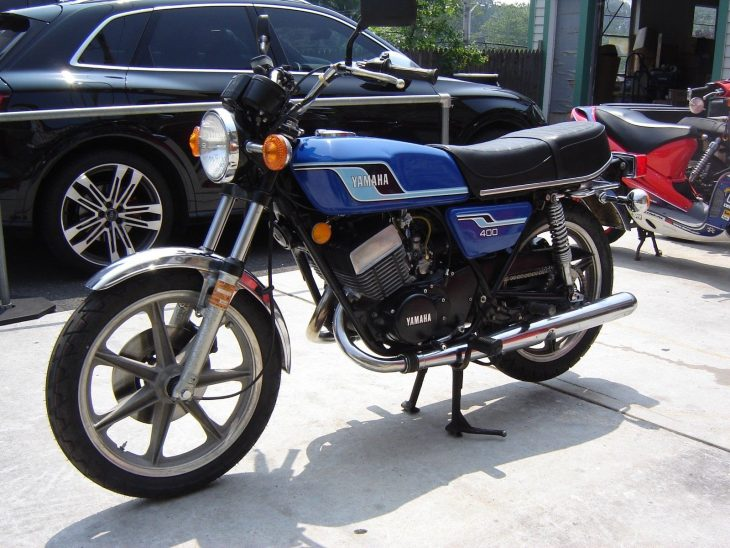 Swimsuit Issue - 1977 Yamaha RD400 - Rare SportBikes For Sale