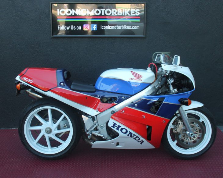 Visions of Joey: 1990 Honda RC30