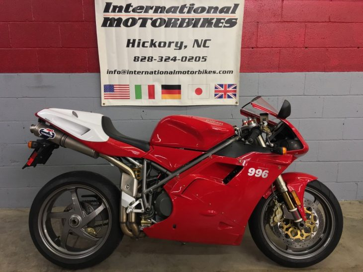 Low-Mileage Superbike: 2000 Ducati 996 for Sale