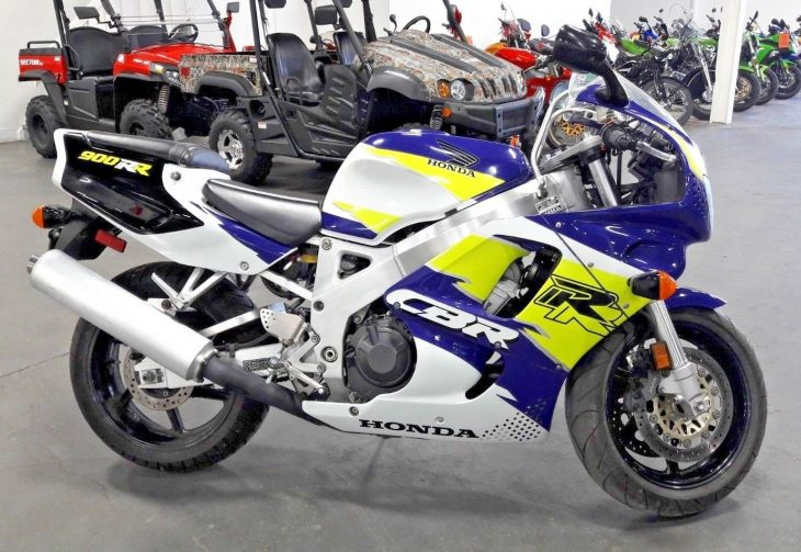 Unmolested Hooligan: 1995 Honda CBR900RR