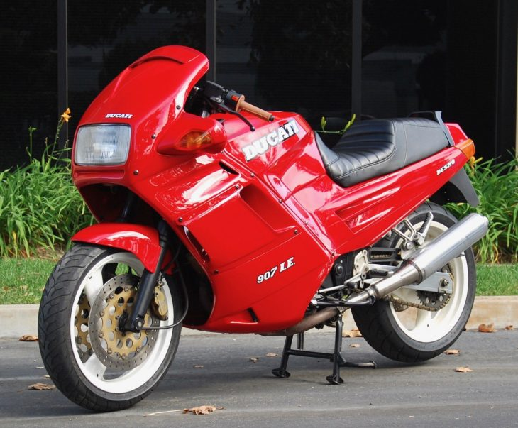 Suit That's Red – 1992 Ducati Paso 907 I.E.