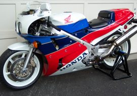 Featured Listing – 1990 Honda VFR750R / RC30