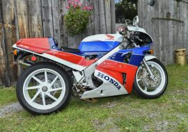 Featured Listing: 1990 Honda VFR750R RC30