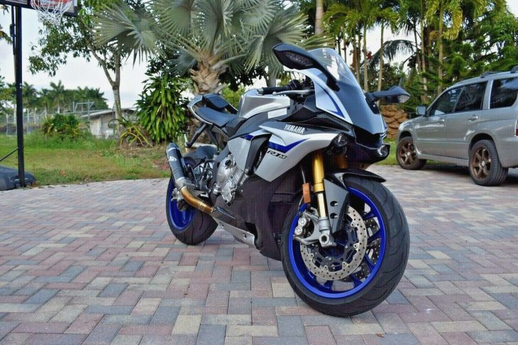 M is for More: 2015 Yamaha R1M