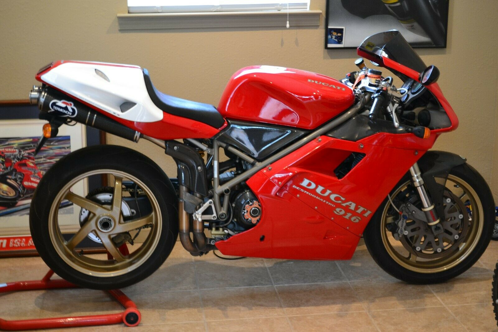 DUCATI 916 1995 SINGLE SIDED RED REAR PADDOCK STAND