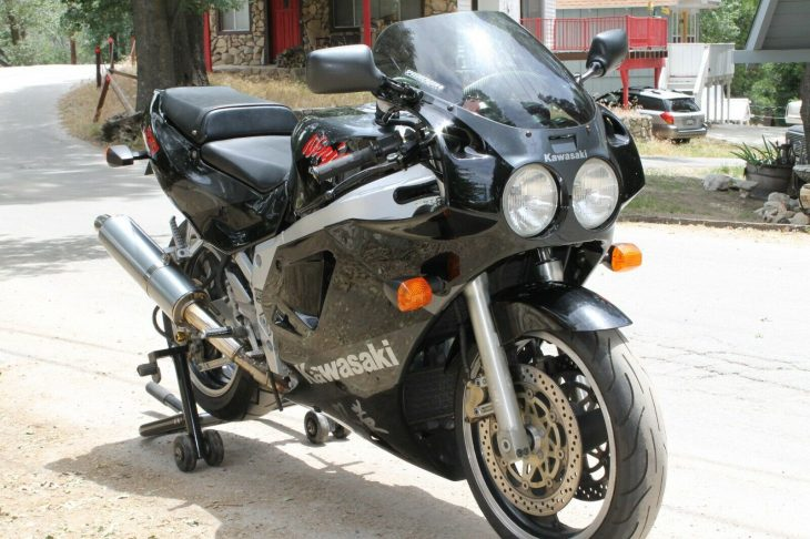 Featured Listing: 1989 Kawasaki ZX-7