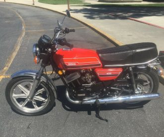 Featured Listing: 1976 Yamaha RD400C