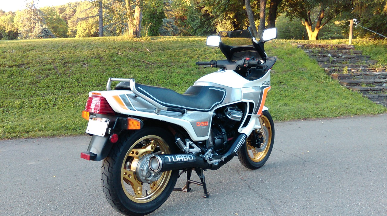 V-Twin Archives - Rare SportBikes For Sale