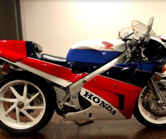 Featured Listing: 1990 Honda RC30