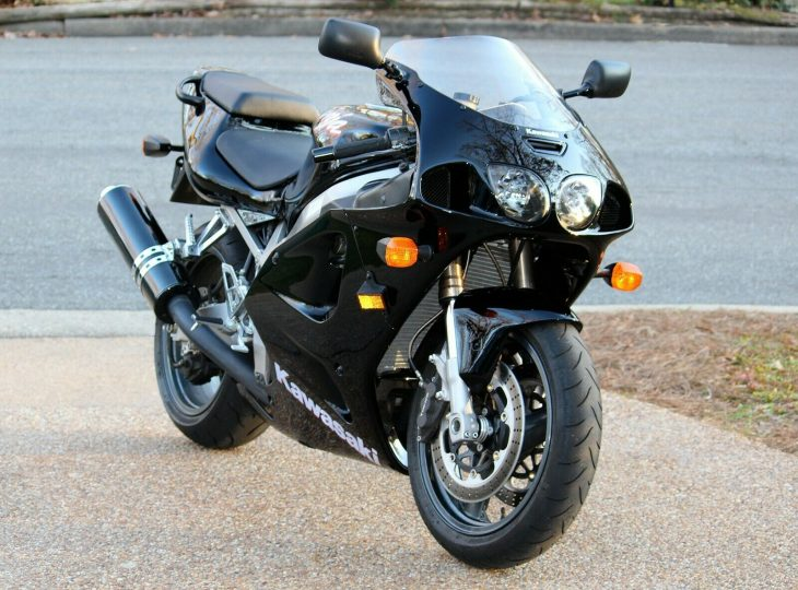 Dark Horse – 1996 Kawasaki Ninja ZX-7R with just 5,800 miles !