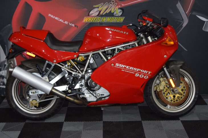 Pictures on Request – 1995 Ducati 900 SS/SP with 843 Miles !