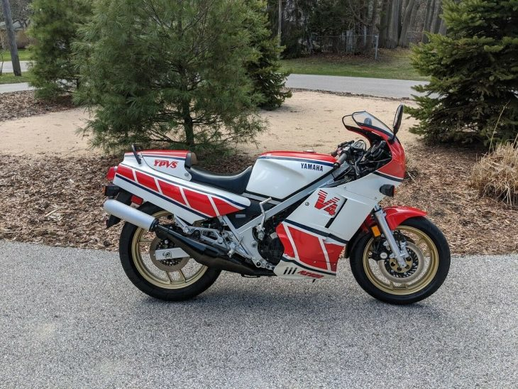 Formation Flight – 1985 Yamaha RZ500 with 4,600 miles !