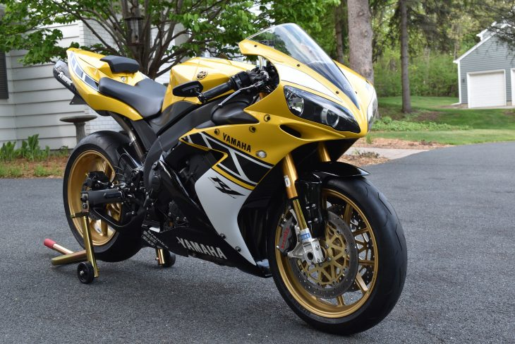 Featured Listing: Low-mile, tastefully modified 2006 Yamaha R1 LE