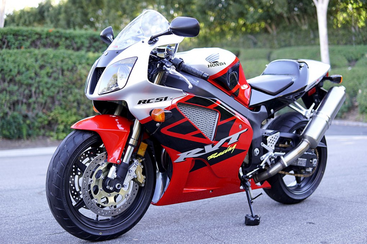 Unchecked – 2003 Honda RVT1000R / RC51 with only 795 Miles !